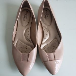 Dexflex Comfort Nude Pointy Toe Leather Flats